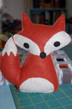 Little White Schoolhouse: free fox softie pattern