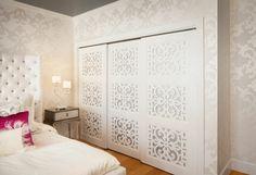 armoire de chambre avec portes coulissantes blanc de lit rembourrés