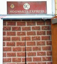 Resultado de imagem para decoração aniversário parede harry potter 934