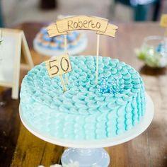Bolo para o aniversário de 50 anos do Roberto. Decoração da PicNic. #edebabar