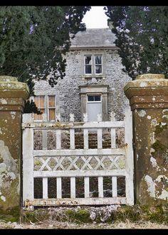 Front Gate Castle Crawford | Ben Allison | Flickr