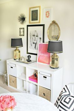 Kallax room divider bedroom bedroom pops of pink feminine chic home office space room divider ideas home decorations for living room My New Room, My Room, Decoration Inspiration, Decor Ideas, Bedroom Inspiration, Decorating Ideas, Kid Decor, Boho Ideas, Decorating Websites