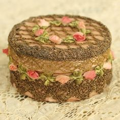 So this is actually a metal box, but I'm thinking I need to decorate a cake to look like this! Creative tingle in my fingertips now! Box Roses, Rose Garland, Passementerie, Pretty Box, Altered Boxes, Powder Puff, Shabby Chic, Ribbon Work, Silk Ribbon Embroidery