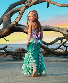 Emilia the Emerald of the Ocean ~Mermaid Costume, Dress Up, Portraits, Birthday… Mermaid Theme Birthday, Girl Birthday Themes, Girl Themes, Siren Costume, Fish Costume, Costume Dress, Diy Costumes, Halloween Costumes For Kids, Halloween 2018