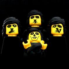 Queen, Queen II (lego version)