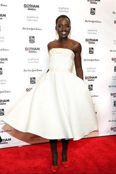 Per festeggiare l'attrice premio Oscar Lupita Nyong'o,noi di Vogue.it abbiamo dedicato un'intera gallery ai suoi look memorabili.