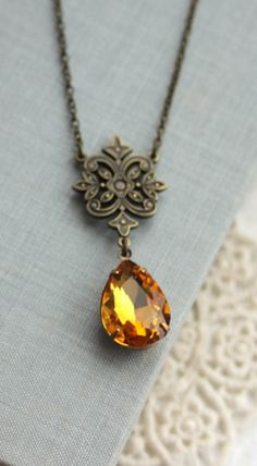 Gorgeous!  Love this Victorian-style necklace!