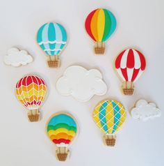 Hot air balloon cookies for my friend Tracy. Crazy Cookies, Fancy Cookies, Iced Cookies, Cute Cookies, Sugar Cookie Cakes, Sugar Cookie Royal Icing, Cookie Frosting, Hot Air Balloon Cookies, Balloon Birthday Themes