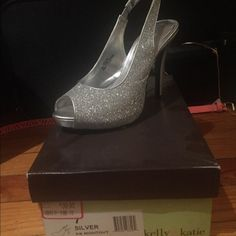Silver peep toe sling back sandals Size 7- sparkly silver sling back sandals by Kelly & Katie ... Worn once for a wedding I was in Kelly & Katie Shoes Heels