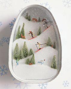 ski slope diorama craft: use little plastic pieces in a card diorama