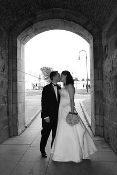 Mrs Corn's Newport Clambake Wedding (photo by Kate Whitney Lucey http://katewhitneylucey.com) - Bride and Groom picture Fort Adam's State Park, Newport, RI