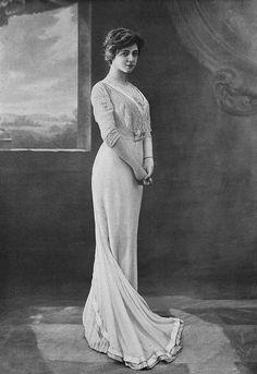 Les Modes (Paris) 1910 robe de diner par Redfern