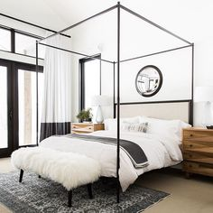 1000 Ideas About Black White Bedrooms On Pinterest White Bedrooms Bedrooms And White Bedroom