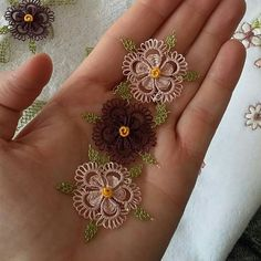 Discover recipes, home ideas, style inspiration and other ideas to try. Tatting Lace, Tatting Jewelry, Needle Lace, Potpourri, Pearl Jewelry, Diy And Crafts, Embroidery, Pearls, Instagram