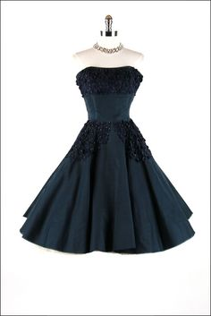 50's dress (I was possibly born in the wrong decade)