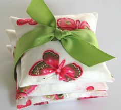 Valentine Favor Valentine Gift . French Lavender Sachets . BUTTERFLY . Printed cotton . #valentine #sachet # gift