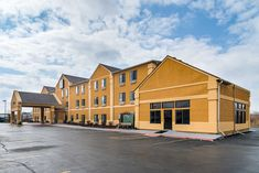Explore City Of Harvey by staying at our Quality Inn. Visit area attractions such as South Suburban College, Tinley Park Illinois, Navy Pier, the Midwest Car Museum and many Tinley Park Illinois, Car Museum, Hotels, College, Cabin, Explore, Mansions, Navy, House Styles