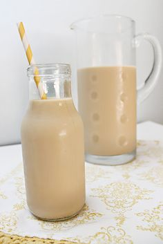 Skinny Vanilla Iced Cappuccino Sara Ann Leal onto Breakfast Does a Girl Good Healthy Coffee Drinks, Yummy Drinks, Yummy Food, Yummy Recipes, Tasty, Healthy Recipes, Healthy Tips, Drink Recipes, Healthy Choices