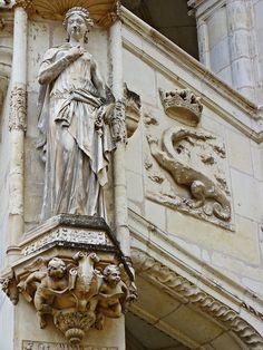 Escalier François I, via Flickr.