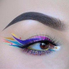 15 Brilliant Eyeliner Hacks You'll Wish You Knew Yesterday Mask Makeup, Eye Makeup Art, Eye Art, Makeup Inspo, Eyeshadow Makeup, Makeup Cosmetics, Makeup Inspiration, Beauty Makeup, Makeup Style
