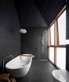 Screen House Photography by Brett Boardman Bathroom