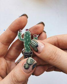 uñas con cactus