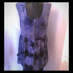 Rebecca Minkoff pure silk blue tie dye dress XS Rebecca Minkoff pure silk blue tie dye dress XS suuuuper cute the zipper un zips all the way down the front and has two front pockets perfect for casual hand placement.  Made in USA.  NEW WITHOUT PRICE TAGS Rebecca Minkoff Dresses