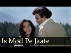 ▶ Iss Mod Se Jaate Hai - Suchitra Sen - Sanjeev Kumar - Aandhi - Evergreen Hindi Songs - R.D. - Gulzar - YouTube