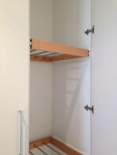 Heated drying cupboard