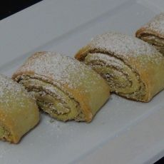 This tasty old fashioned recipe is great for snacks, afternoon tea, coffee. Ingredients: butter or margarine, at room temperature cup of sugar. Peach Cake, Brownie Bar, Afternoon Tea, Rolls, Tasty, Sweets, Bread, Snacks, Cookies