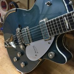 '55 Aged Lake Placid Blue Relic Penguin. #gretsch #gretschguitars #gretschguitar #officialgretsch #gretschcustomshop #guitar #guitars #guitarlover #guitarlove #guitargeek #guitargeeks #gretschpenguin