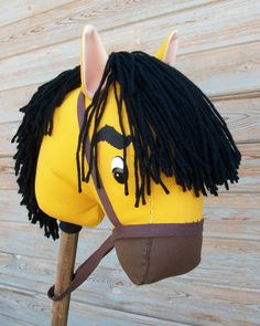 Stick Horse Yellow Stallion Stick Horses, Baby Quilts, Projects To Try, Spirit, Sewing, Yellow, Box, Party, Crafts