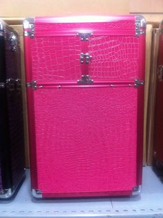 Nuestra maleta Tupper Boda, donde podras encontrar todo lo que necesitas para tú gran día.