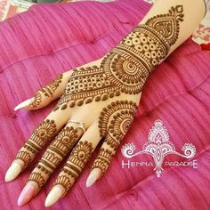 Arabic Mehendi Designs - Check out the latest collection of Arabic Mehendi design ideas and images for this year. Arabic mehndi designs are the most fashionable and much in demand these days. Wedding Henna Designs, Pretty Henna Designs, Basic Mehndi Designs, Henna Tattoo Designs Simple, Indian Mehndi Designs, Back Hand Mehndi Designs, Beginner Henna Designs, Latest Bridal Mehndi Designs, Henna Art Designs