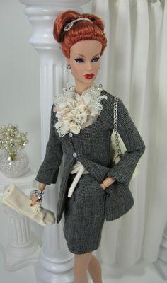 Fashion -Fashion Royalty Doll