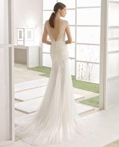 WILBOUR vestido novia en color marfil.