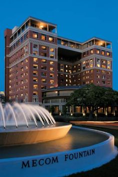 Hotel Zaza Houston Houston (Texas) Offering an outdoor pool, terrace, and poolside bar, Hotel Zaza Houston is located in Houston, Texas, just 5 km from NRG Stadium. Featuring free WiFi, the hotel has a spa centre and sauna, as well as an onsite restaurant.