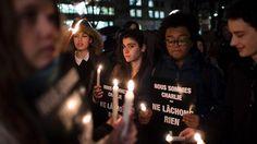 """""""Wir sind Charlie"""": Diese Solidaritätsbekundung ist nicht nur auf den Straßen von Paris bei Christen, Konfessionslosen und Muslimen zu sehen. Auch in Istanbul und der arabischen Welt gehen Menschen so auf die Straße."""