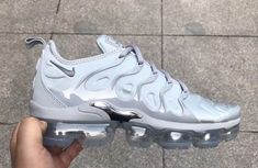 """Nike Air VaporMax Plus """"Triple Grey"""" Releasing in 2018 Me Too Shoes, Cute Shoes, Nike Shoes Outfits"""