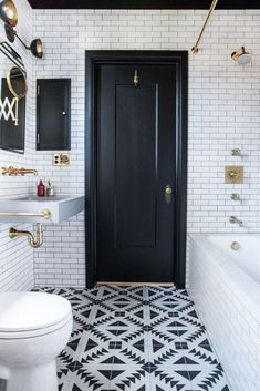 Awesome 88 Stunning Black and White Bathroom Remodel Ideas. More at http://88homedecor.com/2017/09/04/88-stunning-black-white-bathroom-remodel-ideas/