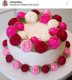 52 Ideas for breakfast birthday cake buttercream frosting Buttercream Cake Designs, Buttercream Frosting, Cake Decorating Techniques, Cake Decorating Tips, Beautiful Cakes, Amazing Cakes, Heart Shaped Birthday Cake, Mothers Day Desserts, Cake Design Inspiration
