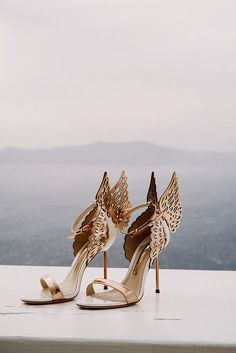Gold shoes for wedding 21 perfect rose gold wedding shoes brides Fancy Shoes, Pretty Shoes, Beautiful Shoes, Cute Shoes, Me Too Shoes, Dead Gorgeous, Formal Shoes, Casual Shoes, Rose Gold Wedding Shoes