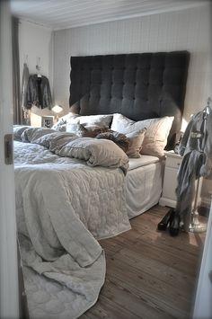 Magnificent Diy Headboard Ideas And Their Description! Bedroom Bed, Cozy Bedroom, Bedroom Inspo, Dream Bedroom, Bedroom Decor, Bed Room, Bedroom Furniture, Headboard Designs, Headboard Ideas