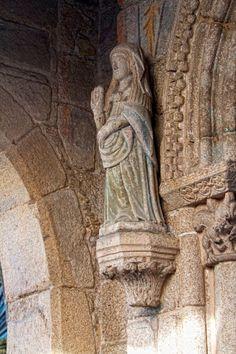 Fachada de Sta María Salomé. Salomé era la madre de Santiago Apóstol y tiene una iglesia en Santiago.