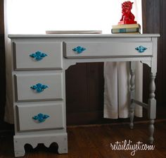 The Retail DIYet: Gray Desk ReDo