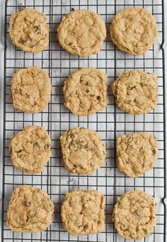 Chewy, soft and delicious, low-FODMAP Oatmeal Cookies are a classic favorite. This recipe is gluten-free, dairy-free and easy! Paleo Oatmeal, Gluten Free Oatmeal, Oatmeal Recipes, Fodmap Dessert Recipe, Fodmap Recipes, Fodmap Foods, Diet Recipes, Cookie Recipes, Waffles