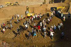 La población empobrecida de la región de Kachin se afana por encontrar restos de jade en los alrededores de las explotaciones mineras.
