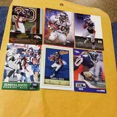 TERRELL DAVIS FOOTBALL CARDS LOT(19) I HAVE(19)TERRELL DAVIS DENVER BRONCOS FOOTBALL CARDS IN LIKE NEW CONDITION Other