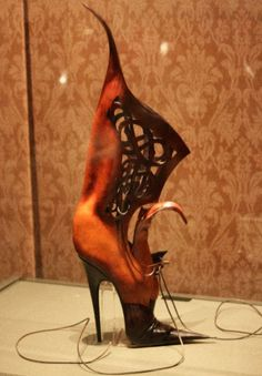Google Image Result for http://www.shoe-tease.com/wp-content/uploads/2011/10/halloween-pumpkin-shoe-stiletto-boot-shoetease.jpg