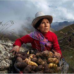 Juanita Panduro, agricultora. Autor y datos de la foto desconocidos.